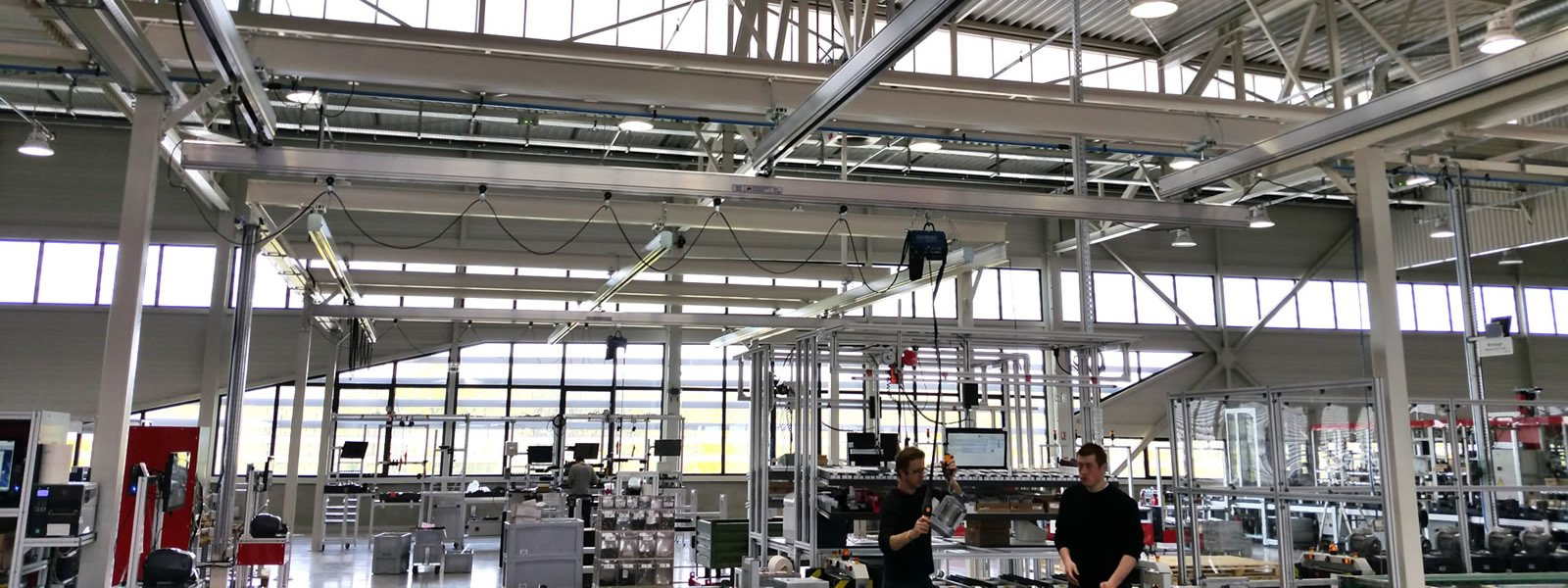 Aluminum Light crane ATS Group, Appalette Tourtellier Systèmes, ATS Conveyors India, HERO Fördertechnik, installed at Endress & Hauser in France